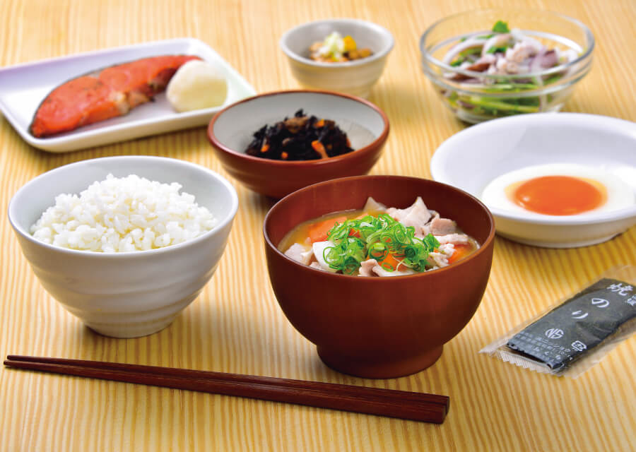主菜・副菜をベースに小鉢をビュッフェで